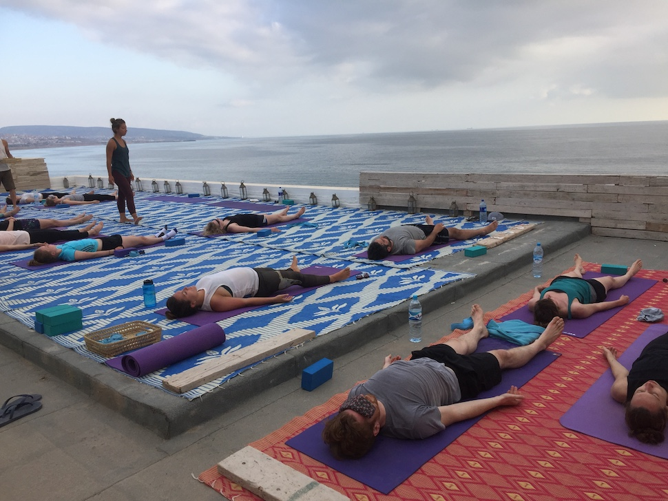 Morocco travel guide | rooftop yoga